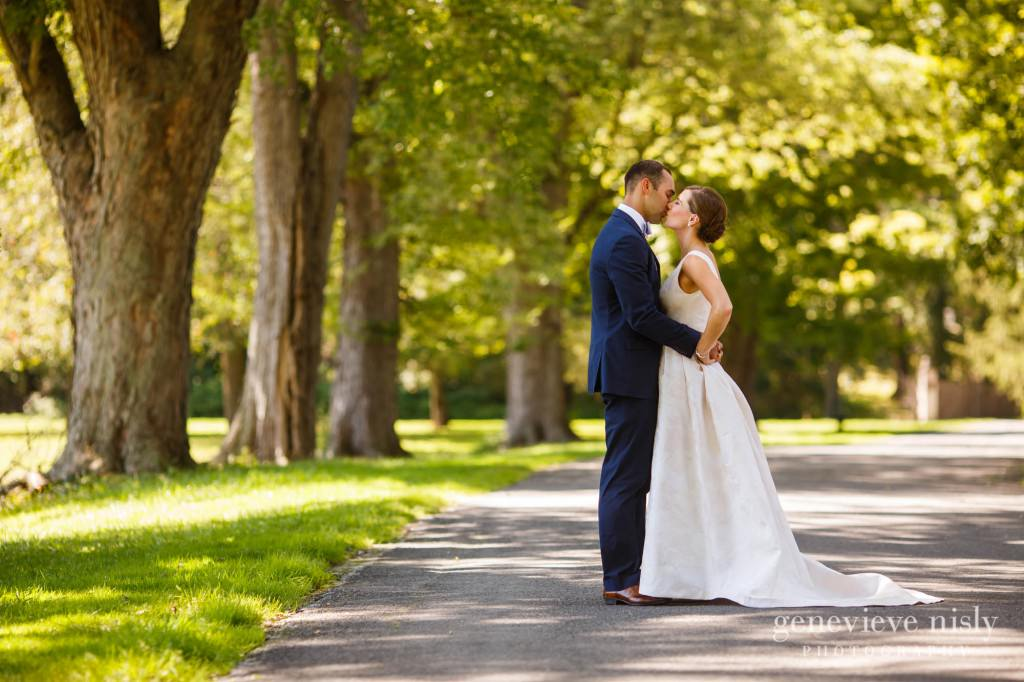 Margaret-Sam-011-chagrin-valley-hunt-club-gates-mills-wedding-photographer-genevieve-nisly-photography