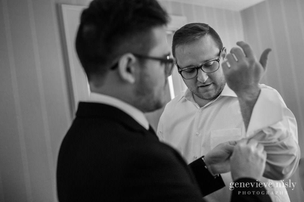 Alyssa-Brian-003-renaissance-hotel-cleveland-wedding-photographer-genevieve-nisly-photography