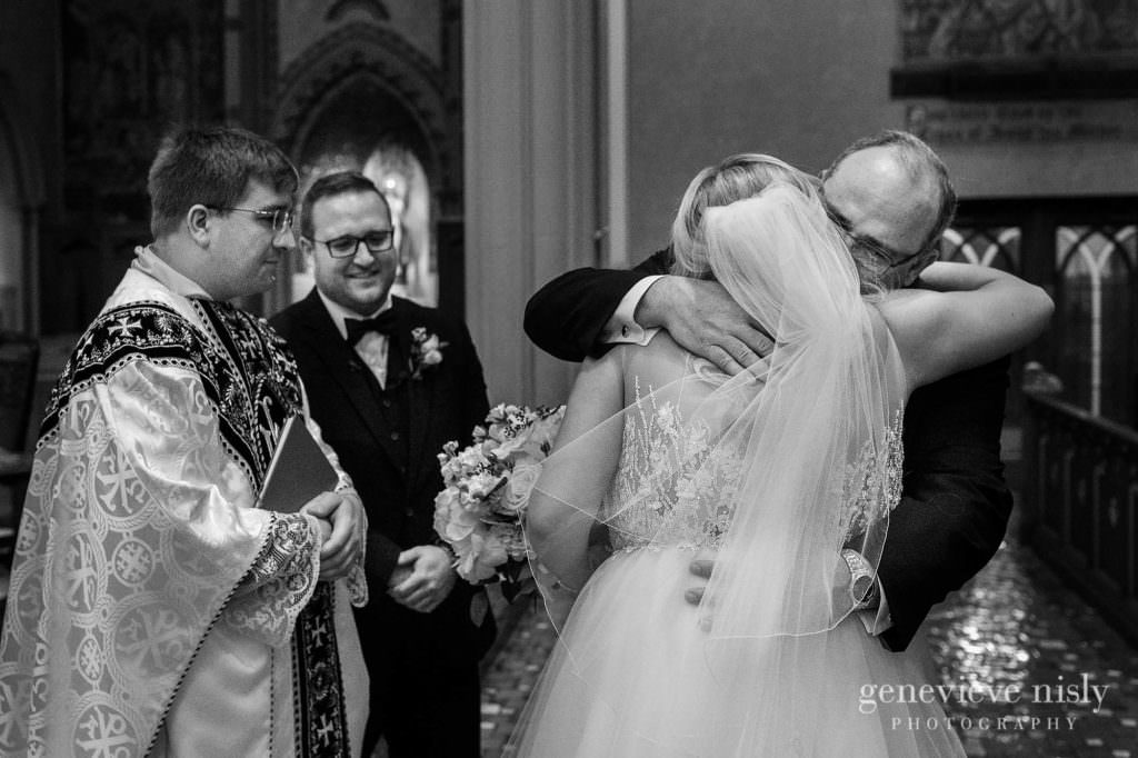 Alyssa-Brian-011-st-johns-cathedral-cleveland-wedding-photographer-genevieve-nisly-photography