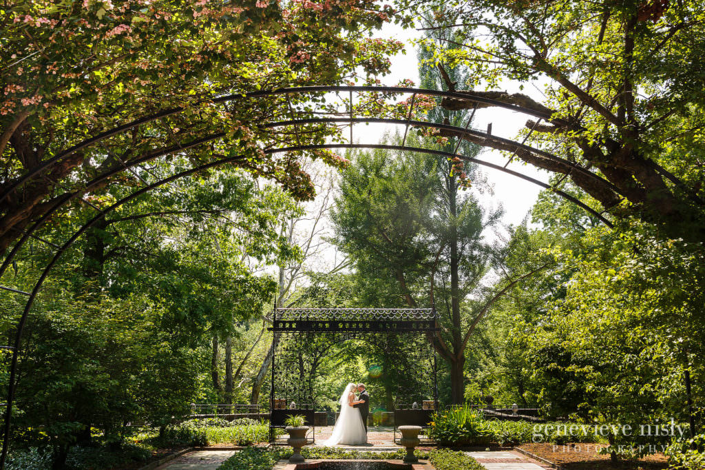 Alyssa-Brian-020-cultural-gardens-cleveland-wedding-photographer-genevieve-nisly-photography