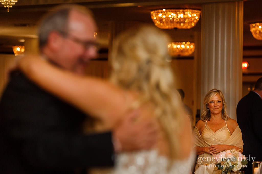 Alyssa-Brian-037-renaissance-hotel-cleveland-wedding-photographer-genevieve-nisly-photography