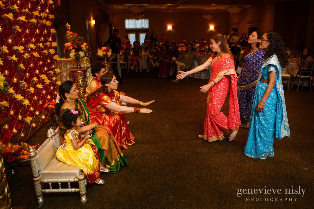 Cleveland, Cleveland Raquet Club, Copyright Genevieve Nisly Photography, Ohio, Summer, Wedding