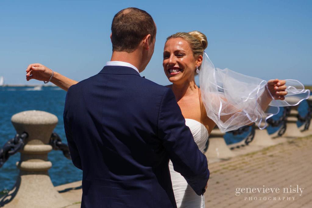 Wedding, Summer, Copyright Genevieve Nisly Photography, Cleveland, Voinovich Park