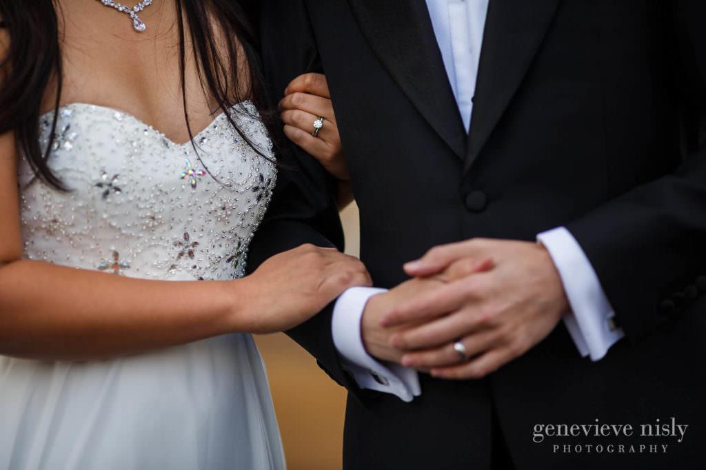 kathy-david-006-iceland-reykjanesfolkvangur-destination-wedding-photographer-genevieve-nisly-photography