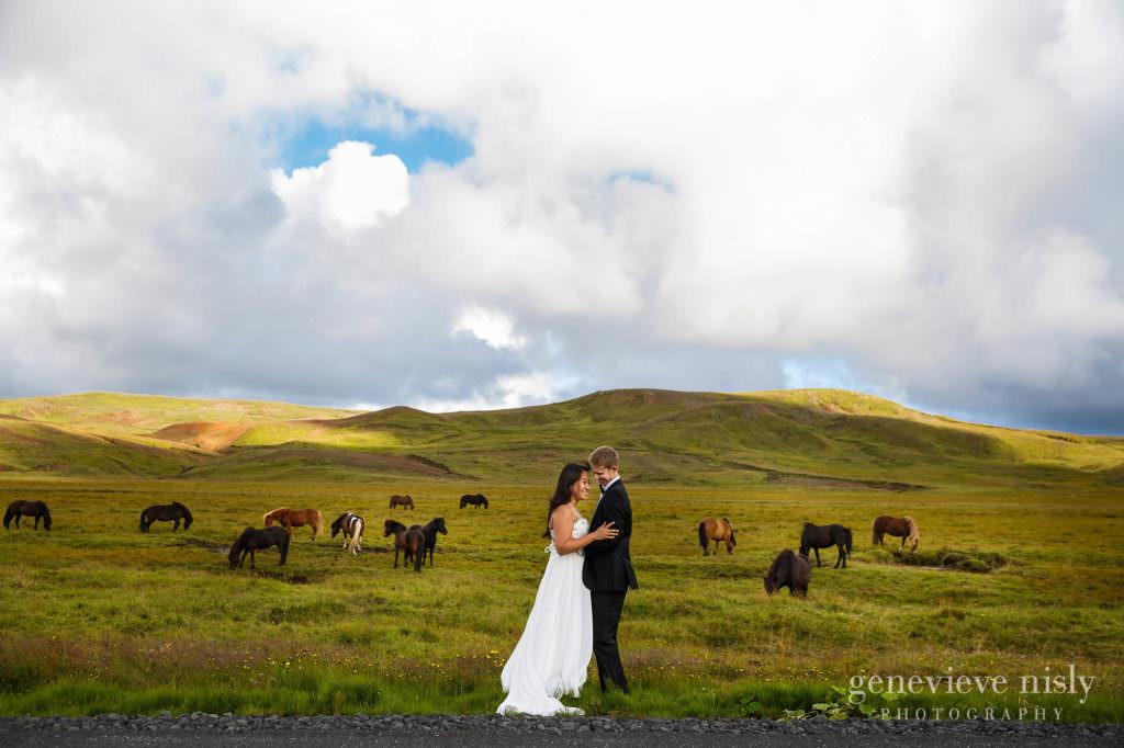 kathy-david-014-iceland-reykjanesfolkvangur-destination-wedding-photographer-genevieve-nisly-photography
