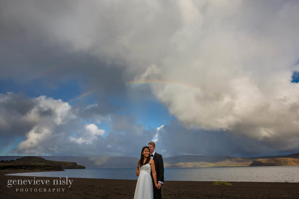 kathy-david-022-iceland-reykjanesfolkvangur-destination-wedding-photographer-genevieve-nisly-photography