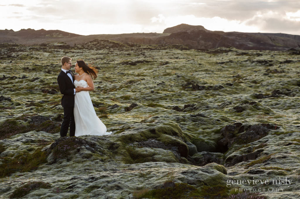 kathy-david-030-iceland-reykjanesfolkvangur-destination-wedding-photographer-genevieve-nisly-photography