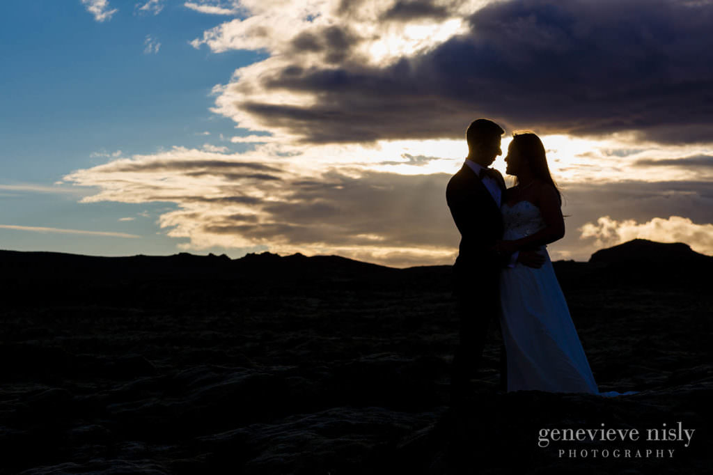 kathy-david-031-iceland-reykjanesfolkvangur-destination-wedding-photographer-genevieve-nisly-photography