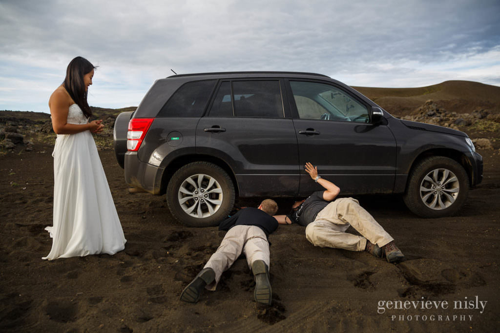 kathy-david-045-iceland-landmannalaugar-destination-wedding-photographer-genevieve-nisly-photography