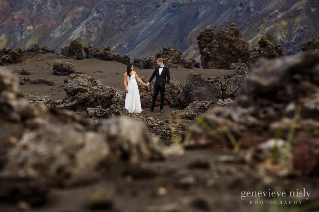 kathy-david-046-iceland-landmannalaugar-destination-wedding-photographer-genevieve-nisly-photography