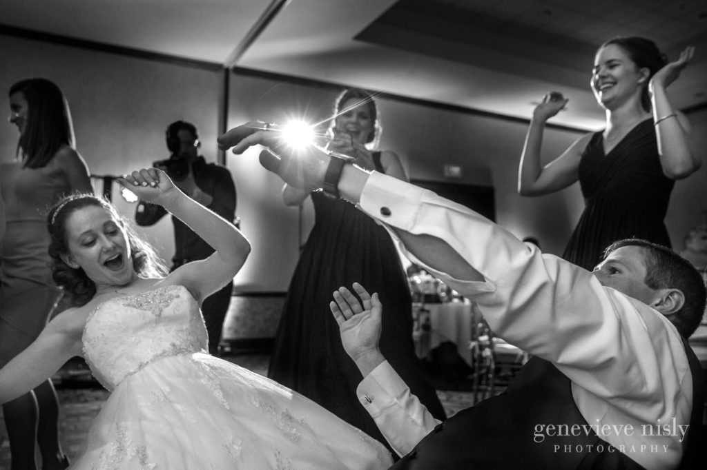 meghan-kyle-047-bertram-inn-aurora-wedding-photographer-genevieve-nisly-photography-1