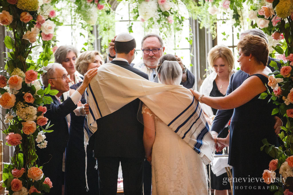 Summer, Copyright Genevieve Nisly Photography, Wedding, Ohio, Cleveland, Tudor Arms Hotel