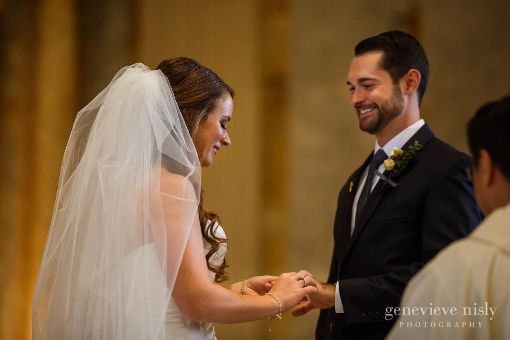 lauren-craig-015-st-ann-cleveland-wedding-photographer-genevieve-nisly-photography