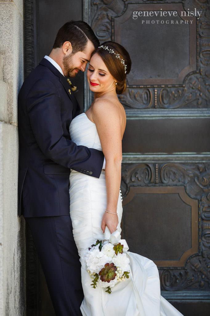 lauren-craig-035-city-hall-rotunda-cleveland-wedding-photographer-genevieve-nisly-photography