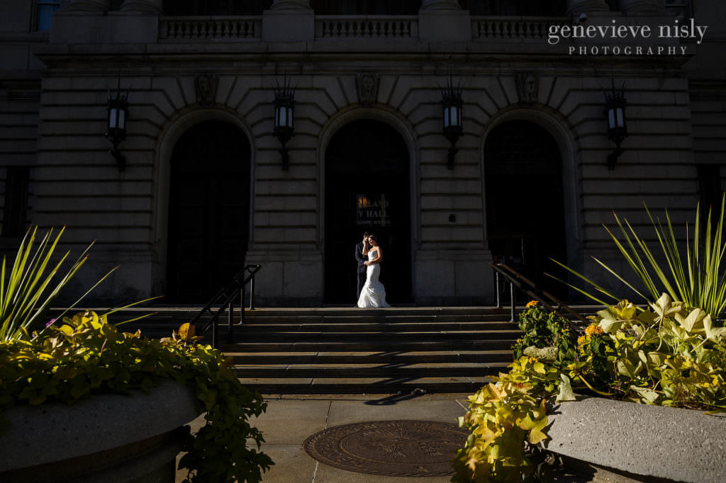 lauren-craig-039-city-hall-rotunda-cleveland-wedding-photographer-genevieve-nisly-photography
