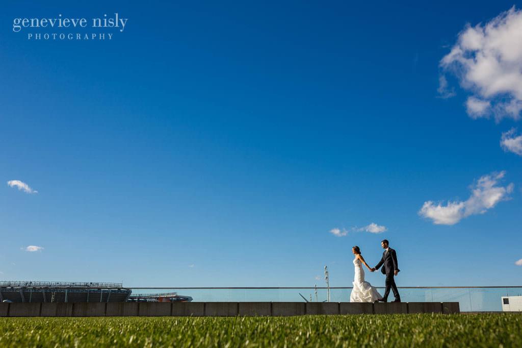 lauren-craig-040-city-hall-rotunda-cleveland-wedding-photographer-genevieve-nisly-photography