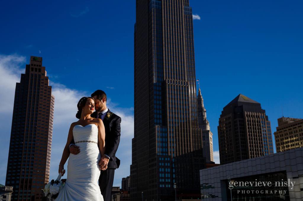 lauren-craig-042-city-hall-rotunda-cleveland-wedding-photographer-genevieve-nisly-photography