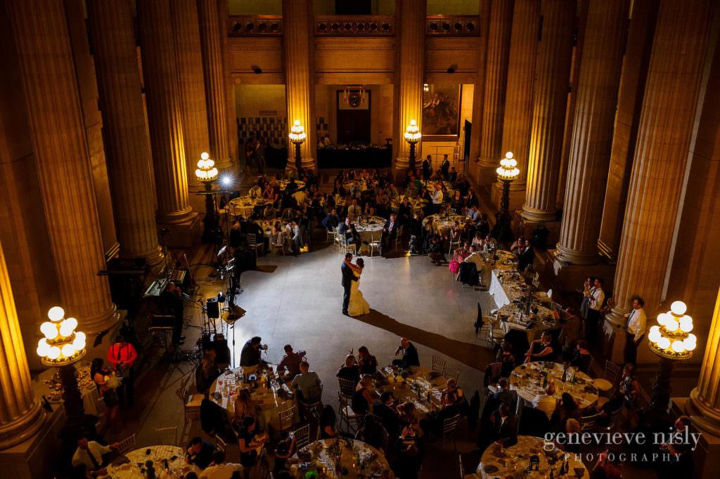 lauren-craig-048-city-hall-rotunda-cleveland-wedding-photographer-genevieve-nisly-photography