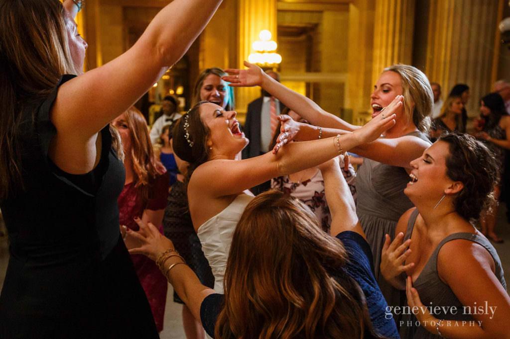 lauren-craig-057-city-hall-rotunda-cleveland-wedding-photographer-genevieve-nisly-photography