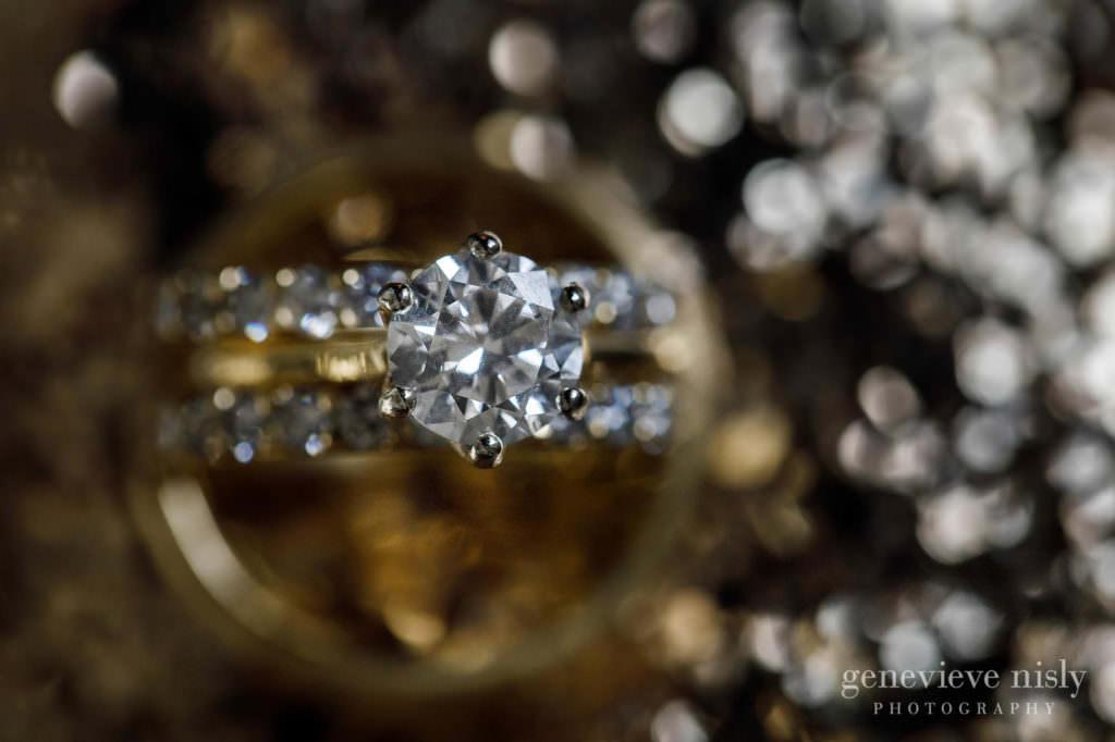 Close up photo of diamond wedding ring.